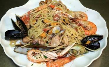 spaghetti-allo-scoglio-ai-frutti-di-mare.jpg